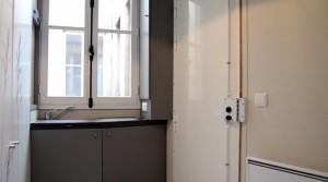 86-sq-ft-transforming-micro-apartment-paris-kitoko-studios-003-600x334