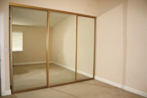 Sliding-Mirror-Closet-Doors-2