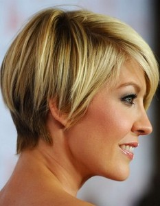 short-hairstyles-for-thick-hair-and-oval-face