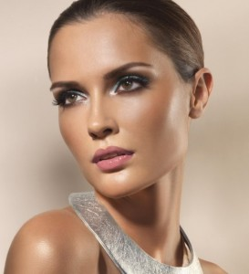 Artdeco-Mineral-Makeup-Model
