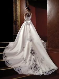 Elegant-Unique-Wedding-Dresses