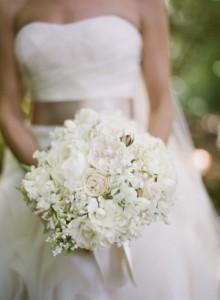 White-Wedding-Bouquet1-300x409