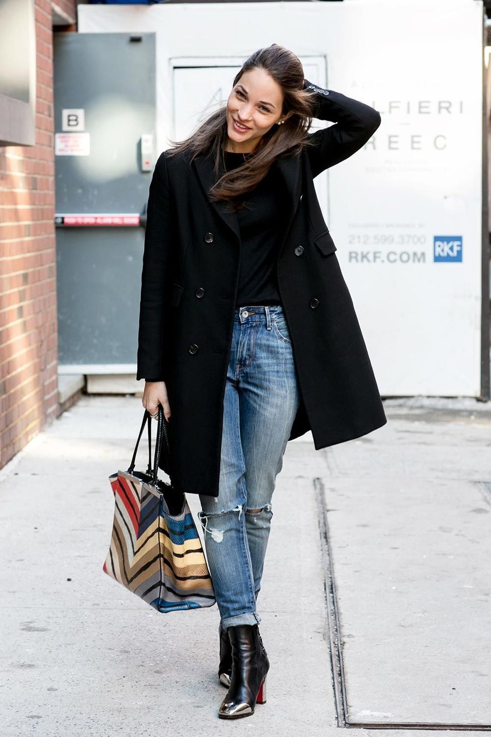 Great Ways To Wear Your Ripped Jeans In Winter Lifestuffs