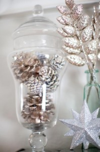 pinecone-decoration