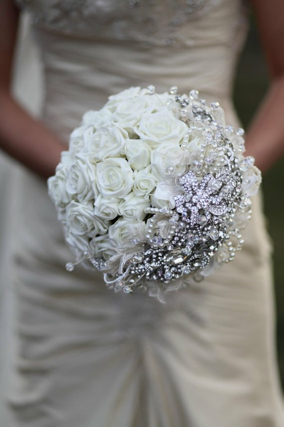 Bright and beautiful - 18 stunning bridal bouquets