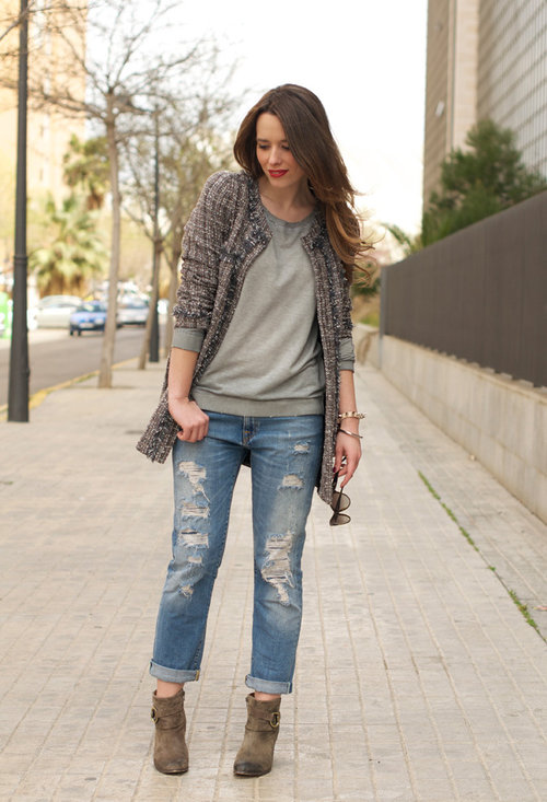 How to wear boyfriend jeans with boots