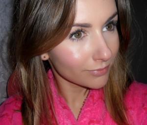 mac-creme-blush-face