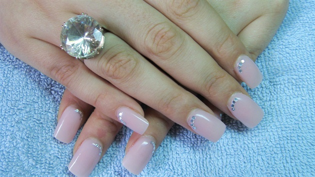 Amazing manicures for your perfect wedding day – LifeStuffs
