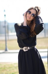 belt-with-black-dress