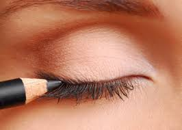 Eyeliner tips - how to enhance your eyes