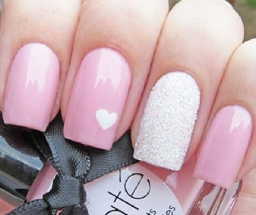 So cute! Valentine's Day nail art