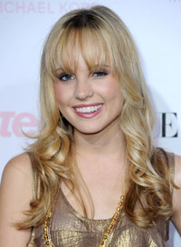 best-bangs-face-shape-meaghan-martin-01