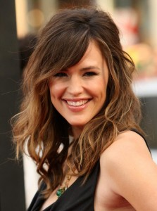 jennifer-garner-bangs-223x300