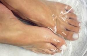 uses-of-baking-soda1380211816-jun-25-2012-600x386-300x193