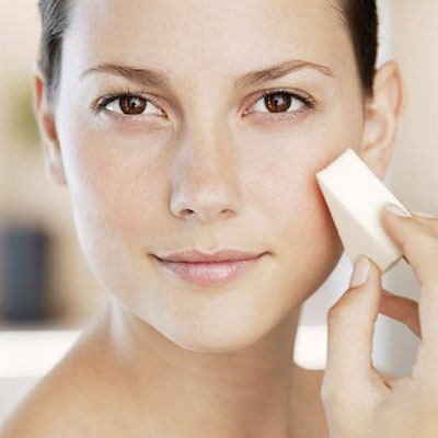 How to choose the right foundation for summer and apply it properly