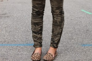 Zara-Camouflage-Print-Zipper-Leg-Skinny-Trousers-Target-Leopard-Print-Smoking-Flat-Fashion-Blogger-Mixed-Prints-Ideas-Target-Leopard-Print-Vianca-Loafers (733x489)