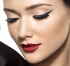 Amazing eyeliner - Get it right and keep it in place