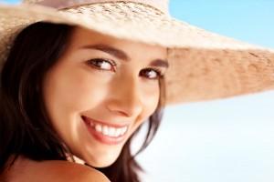 femme-été-soleil-plage-mamzellebeaute.com_