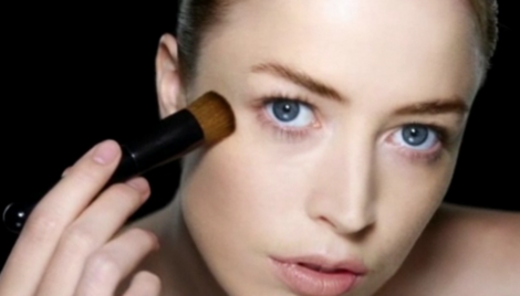 Useful makeup tips - How to apply liquid foundation with a brush