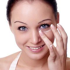 Flawless skin - How to apply your concealer correctly