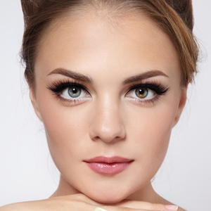 Get-the-hottest-fall-makeup-runway-trends_360_536015_1_14091249_300
