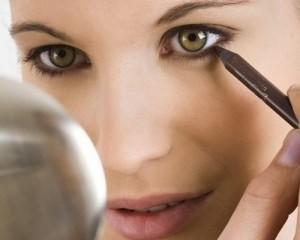 eyeliner-for-hazel-eyes