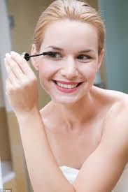 One-minute makeup tips for busy mornings