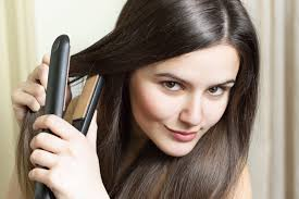 Straight hairstyle - Avoid damaging your hair with a flat iron