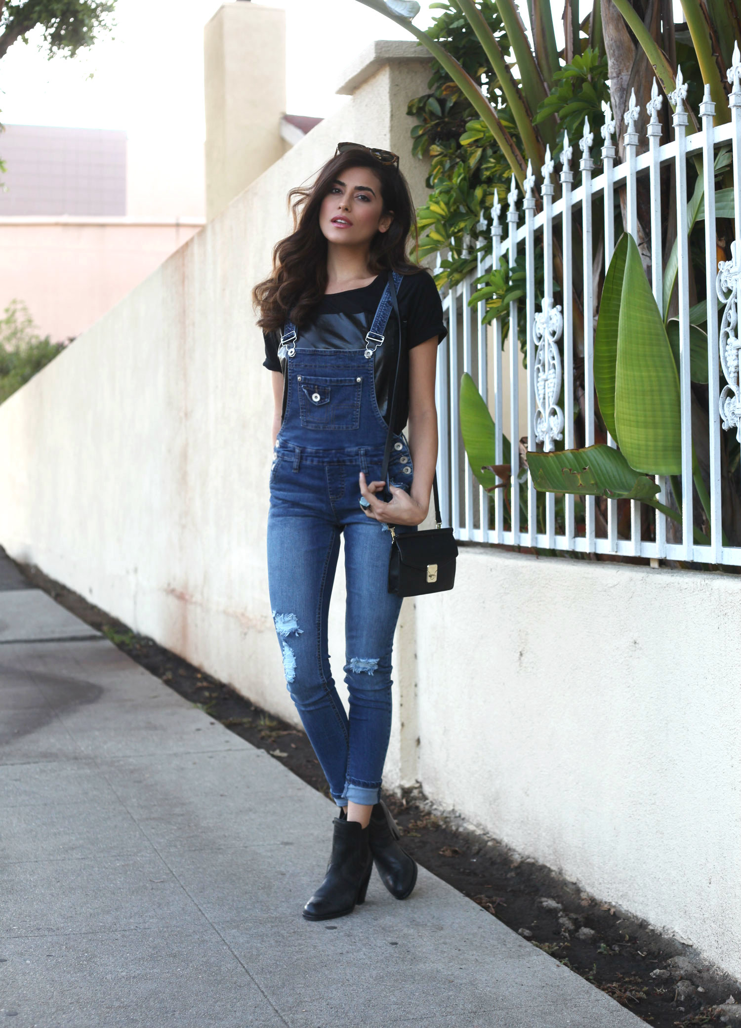 Be stylish - How to wear your overalls this fall