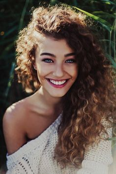Lustrous curly hair - A basic guide to caring for your curls