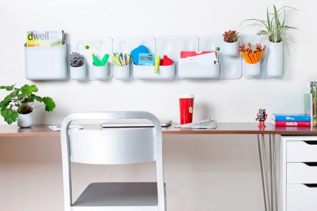 Decorate your office space - How to make your work space look more like home