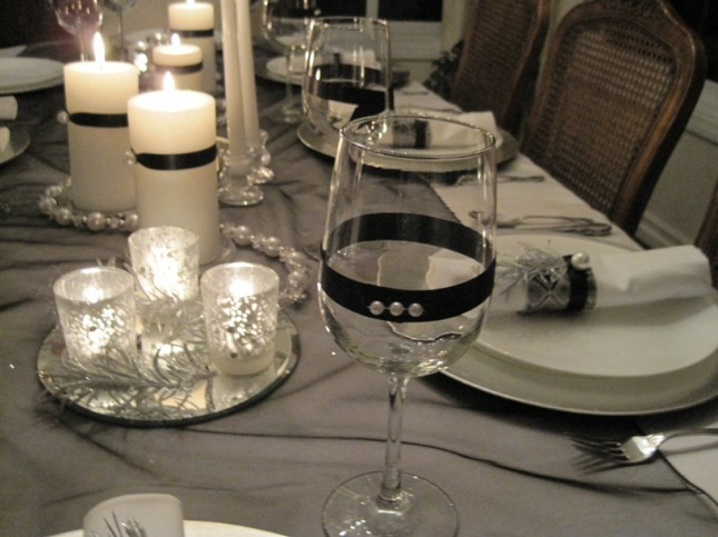 Celebrate new year s eve in style beautiful and festive for Table 52 new years eve