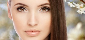 Quick-Brightening-Eye-Makeup-Tutorial-In-5-Minutes