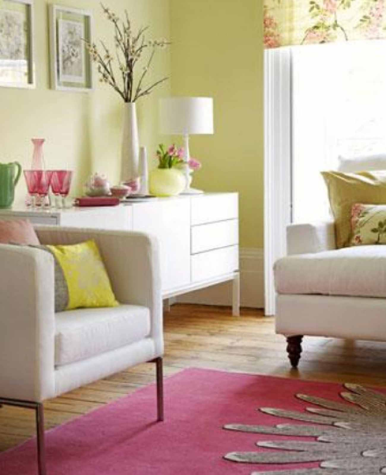 Home makeover quick and easy ways to give your home a for Living room centerpiece