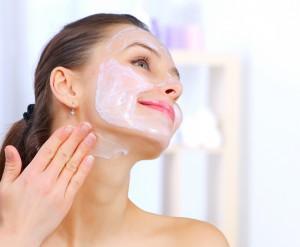 photodune-1898649-beautiful-woman-applying-natural-homemade-facial-mask-l-e1393024482488
