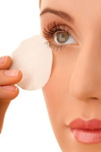 eye-makeup-remover-200x300