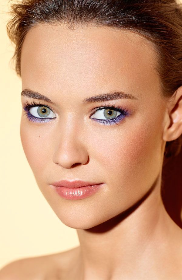Eyeliner tips - How to choose the perfect shade for your eye color