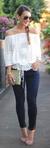 Street style   Crochet top, skinny jeans, heels, clutch