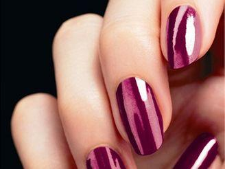 Beauty tips - How to make your nail polish dry really fast