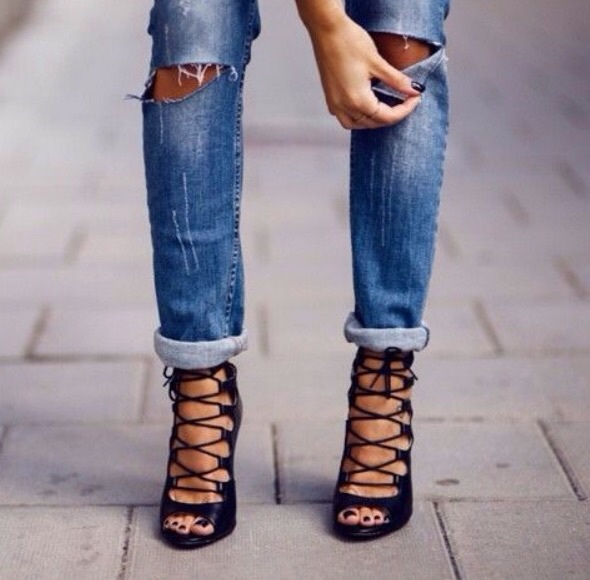 Ripped jeans - Elegant and casual outfits